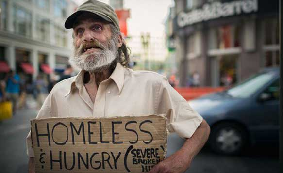 giving-back-to-homeless-people